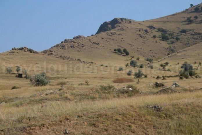 Trasee turistice din Muntii Macinului - Dobrogea