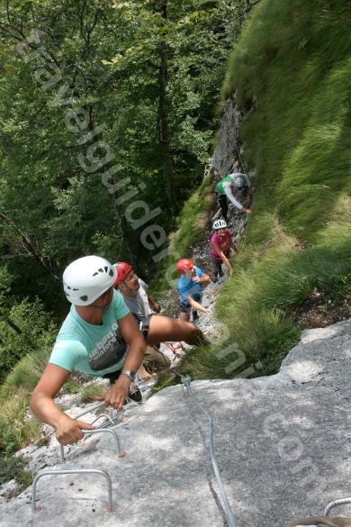 Turism in Muntii Apuseni - Via ferrata la Vartop - Arieseni