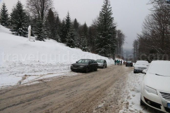 Drum acces statiunea Straja