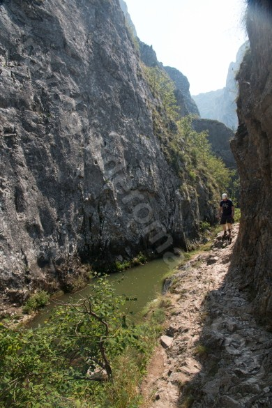 Poteca turistica in Cheile Turzii - Muntii Trascau