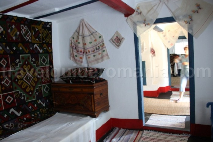 Turism istoric in Dobrogea - locuinta traditionala din Enisala