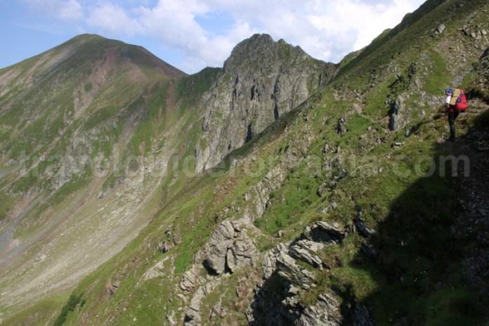 Traversarea Muntilor Fagaras - intre Varful Garbova si Lacul Avrig