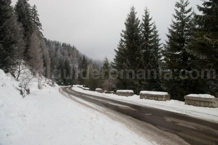 Drum de acces Sinaia - cota 2000 - Valea Prahovei