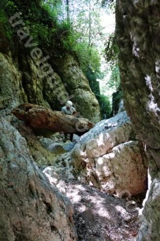 Canyoning la poalele Muntilor Piatra Craiului