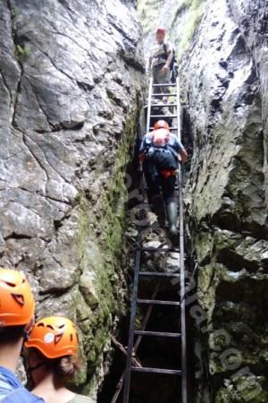 excursii-ghidate-in-muntii-bucegi-valea-horoabei