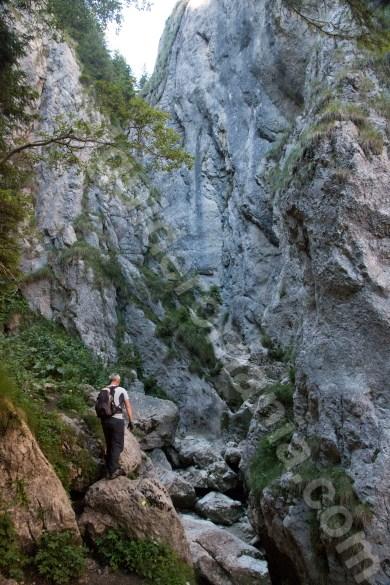 muntii-bucegi-turism-de-aventura-in-valea-horoabelor