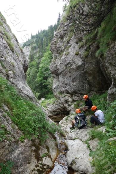 servicii-de-ghizi-montani-autorizati-in-muntii-bucegi-canionul-horoabei