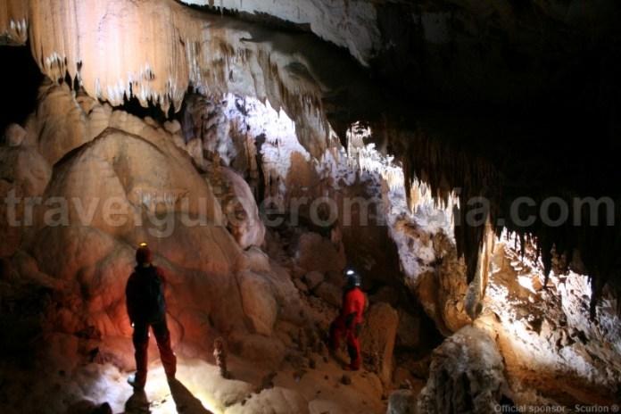 servicii-turistice-speologie-in-muntii-apuseni