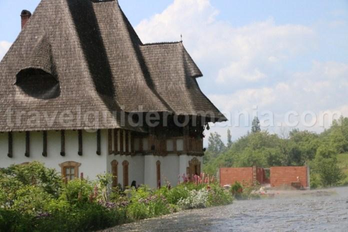 manastiri-din-maramures-manastirea-barsana