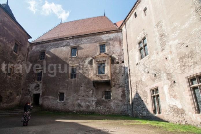 Obiective turistice din Hunedoara - castelul Huniazilor