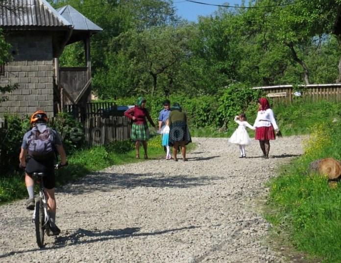 Destinaţia ecoturistică Mara Cosău Creasta Cocoșului Maramureş bicicleta breb moroseni