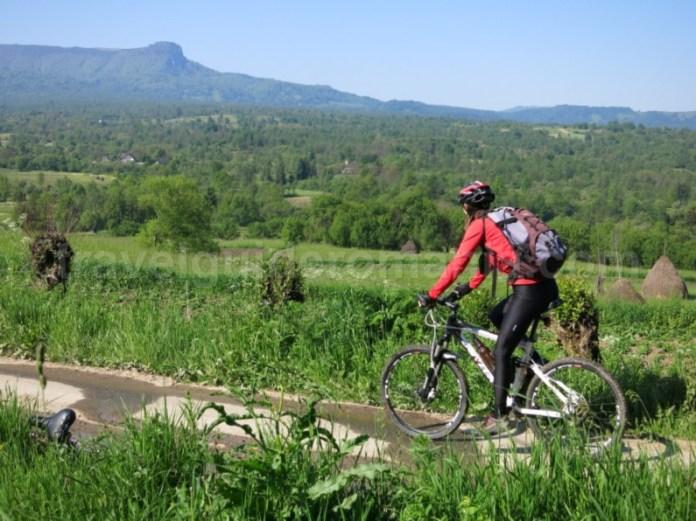 Destinaţia ecoturistică Mara Cosău Creasta Cocoșului Maramureş bicicleta fanate creasta cocosului