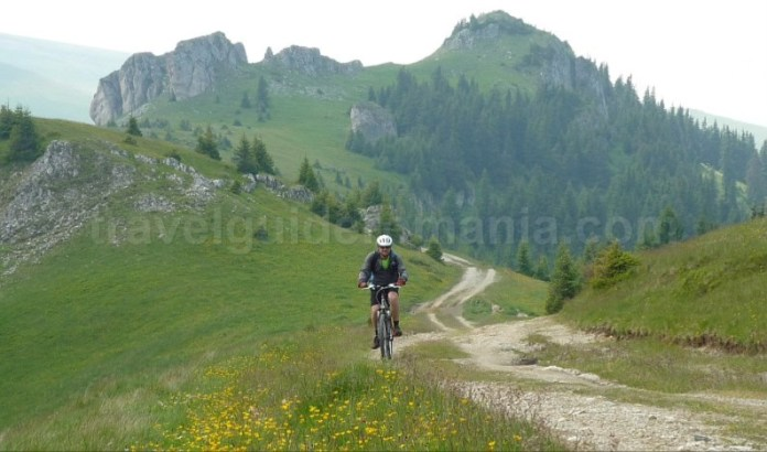 muntii latoritei boarnesu drumul strategic mountain-biking