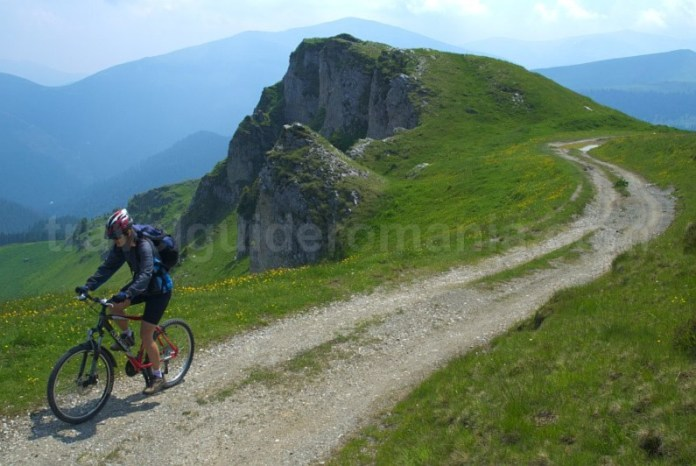 muntii-latoritei-drumul-strategic-calcar-boarnesu-mountain-biking