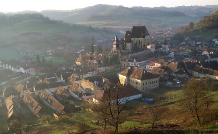 sat si biserica fortificata biertan unesco