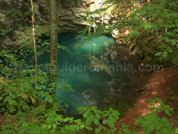 Parcul National Cheile Nerei Beusnita Lacul Dracului