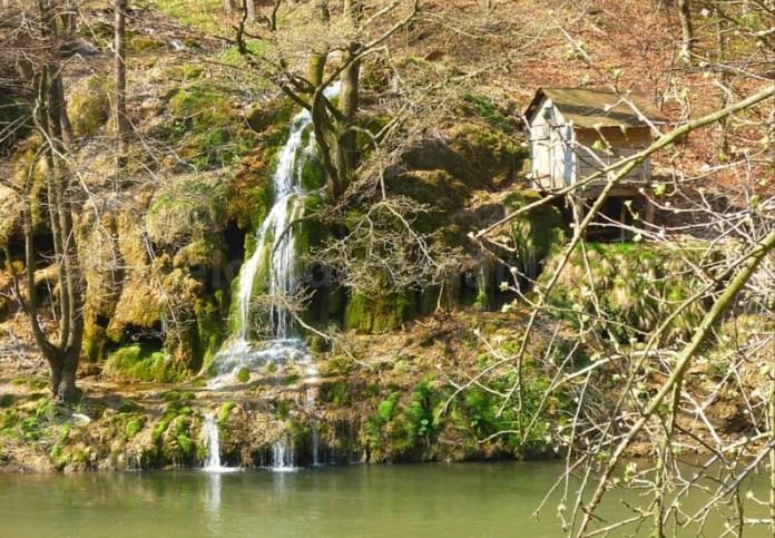 Parcul National Cheile Nerei-Beusnita moara cascada