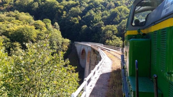 viaduct jitin tren montan anina oravita Semeringul Banatean