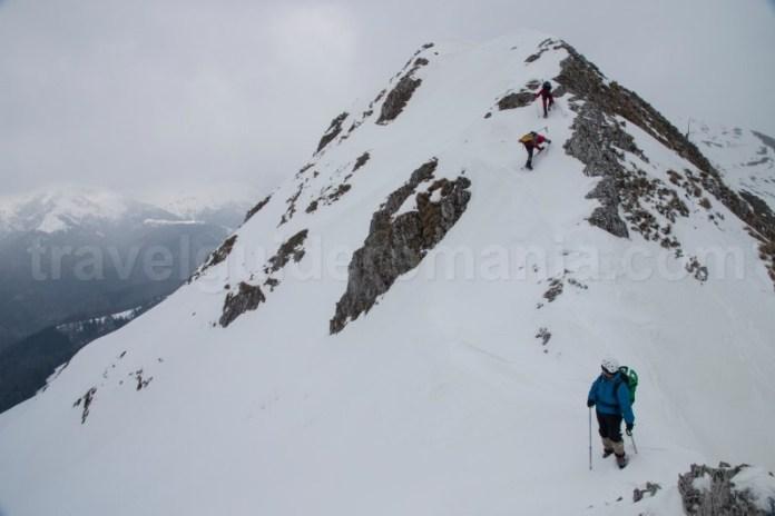 Drumetie de iarna pe creasta Oslea - valea Jiului