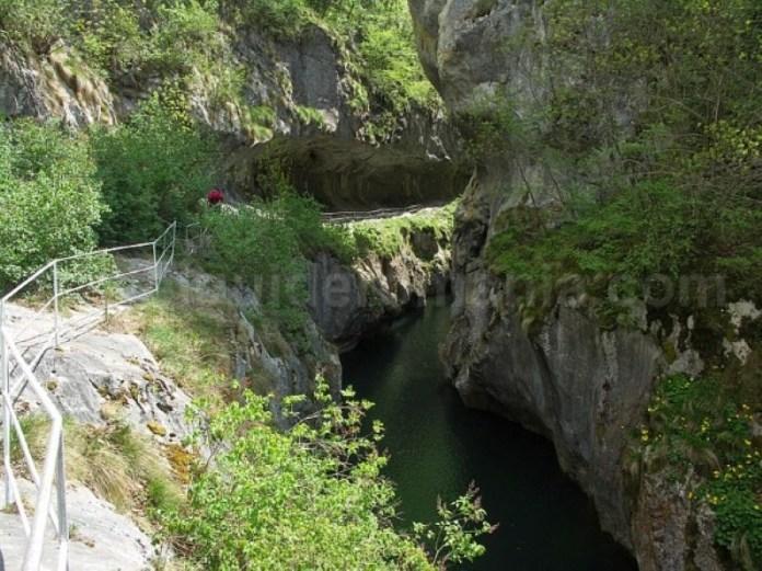 Parcul Naţional Domogled - Valea Cernei cheile corcoaia