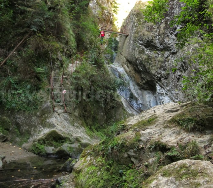 canionul valea lui stan fagaras pod suspendat