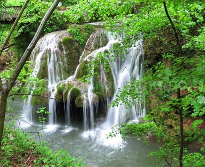 Parcul Național Cheile Nerei-Beușnița cascada bigar