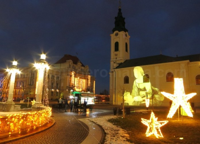Piata Unirii Oradea noaptea iarna