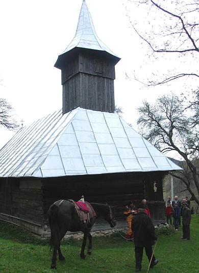 biserica trascau