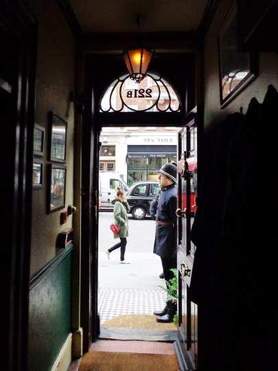 221b baker street museum door