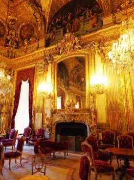 Napoleon Apartments