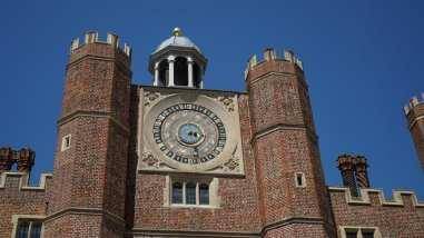 visit hampton court