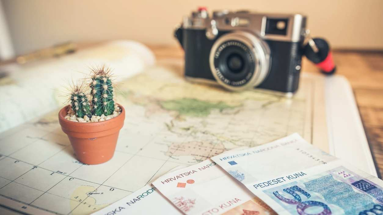preventing Money Emergencies while traveling