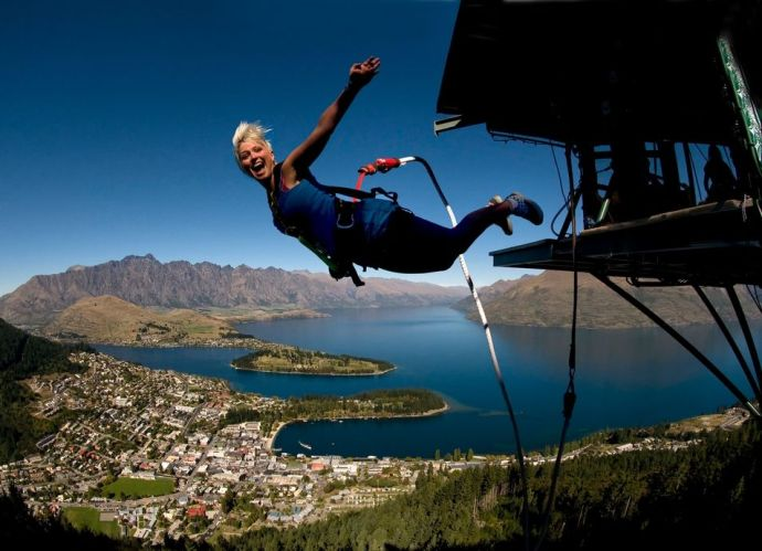 Ledge Freestyle Bungy - Queenstown