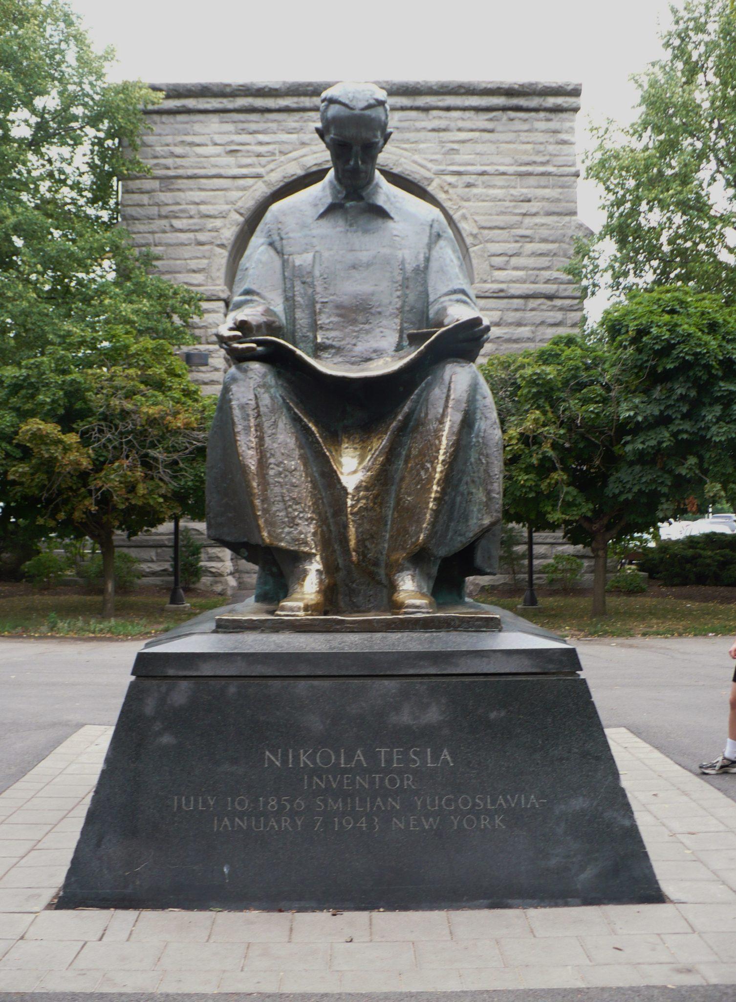 Niagara 4 Nikola Tesla Statue Travelhoppers