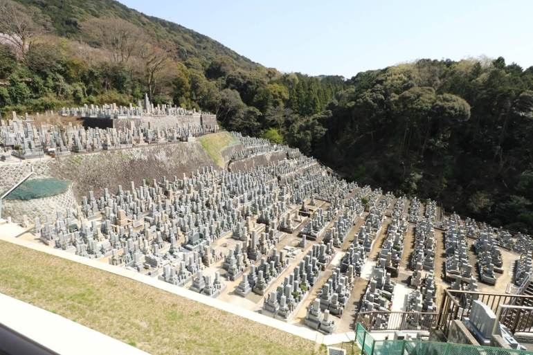 Huge graveyard on the way to Kiyomizudera.