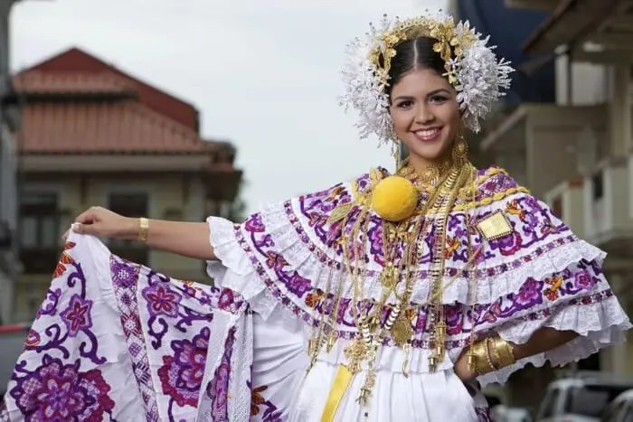 Traditional dress around the world - Pollera, Panama