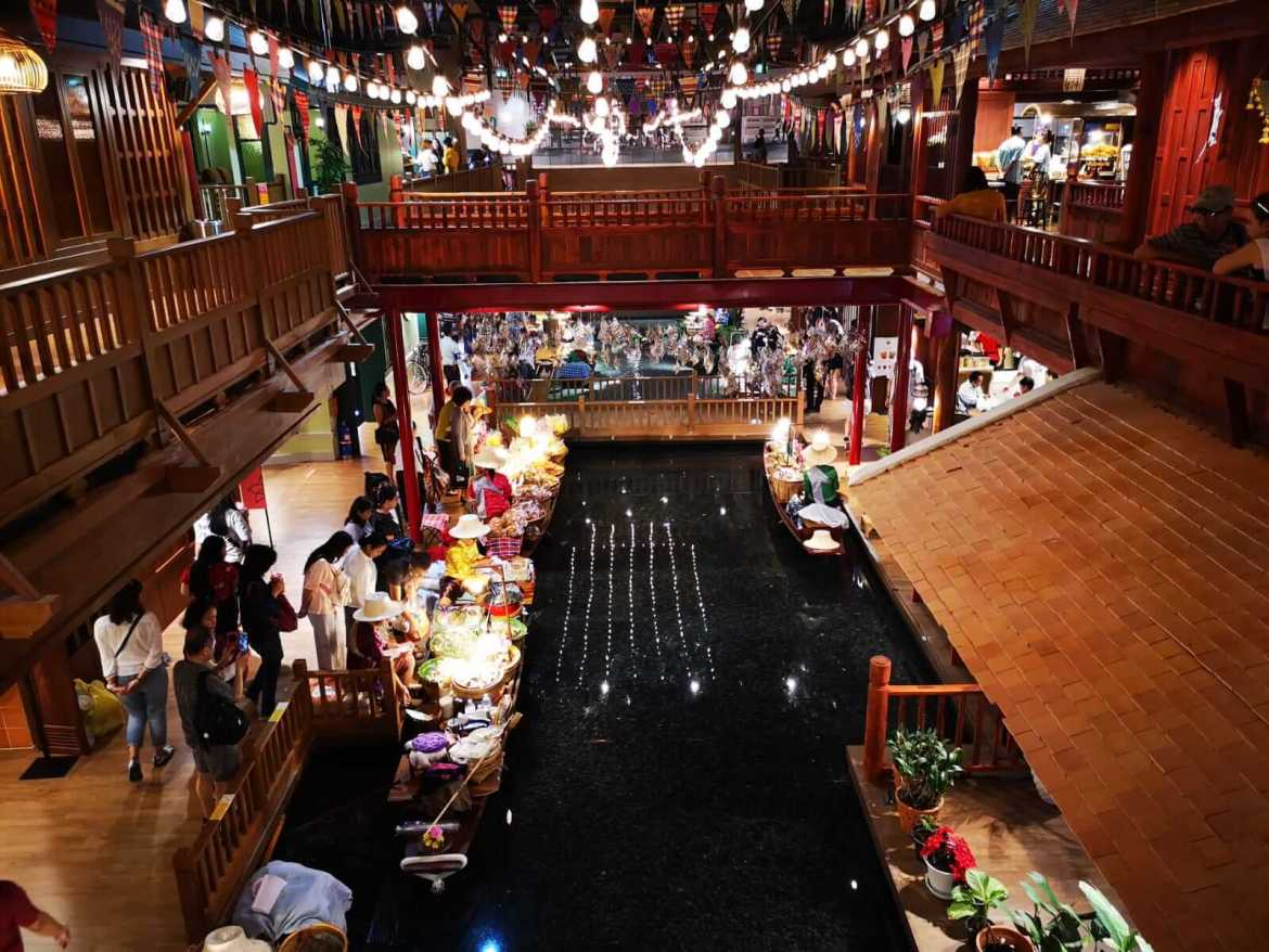 First floor of Sook Siam overlooking the floating market