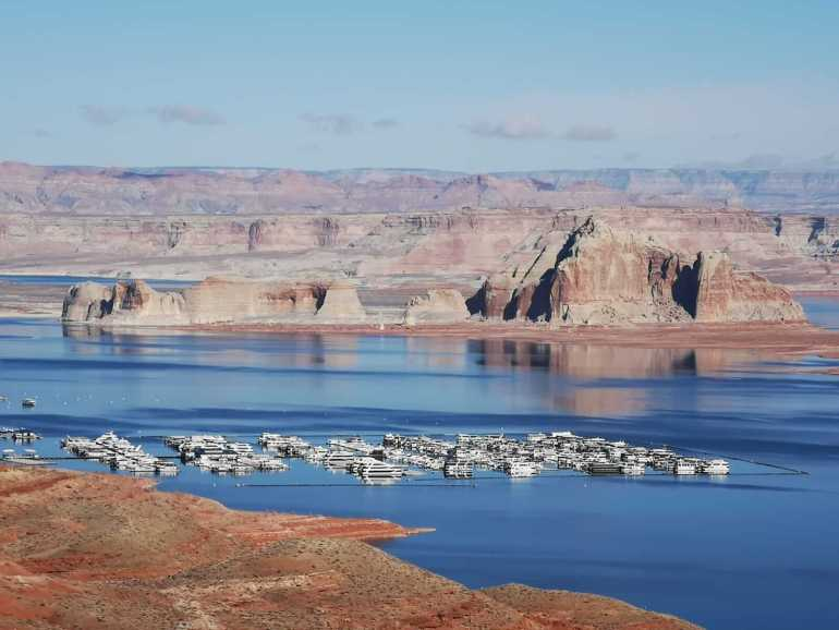 A surprise stop at Lake Powell on the way to Antelope Canyon X