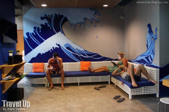 mnl beach hostel boracay common area