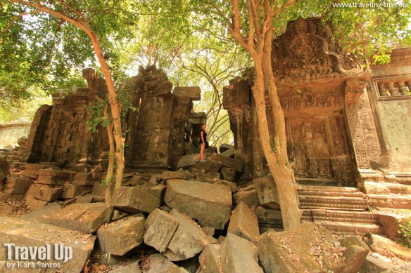 beng melea temple cambodia path