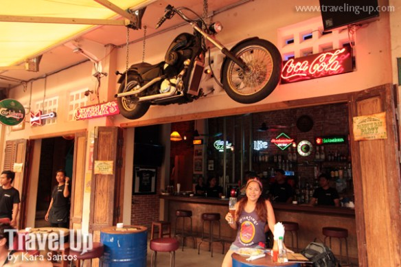 charlie's biker bar siem reap cambodia