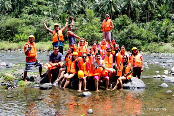 04. real quezon river rafting group shot