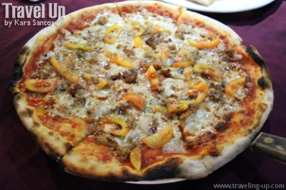 06. cafe leona vigan bagnet pizza