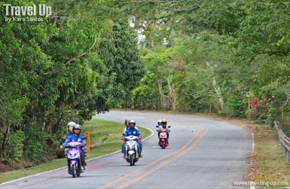 02. motorcycle riders road marilaque