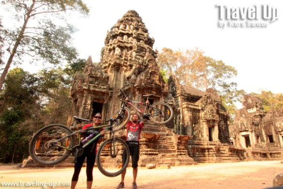 biking cambodia angkor archaelogical park bikes temples
