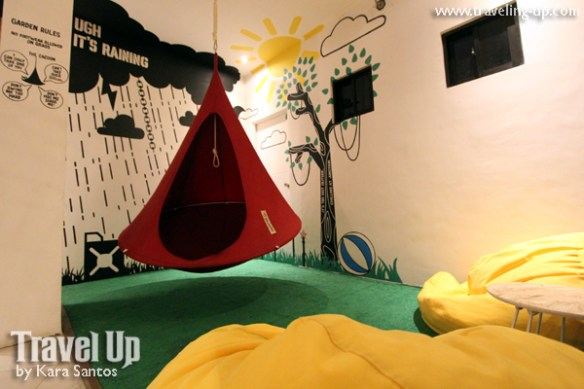 junction hostels makati 10 lounge caccoon bean bag