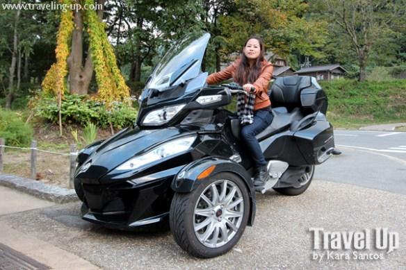 20. shirakawago village japan spyder can-am roadster travelup