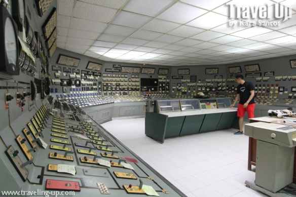 17b. bataan nuclear power plant control room wide