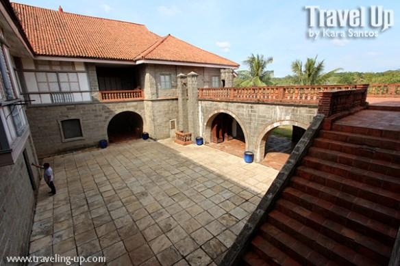 las casas de acuzar bataan stairs plaza general luna death scene