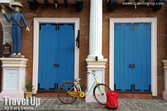osprey bataan backpack bicycle doors las casas de acuzar